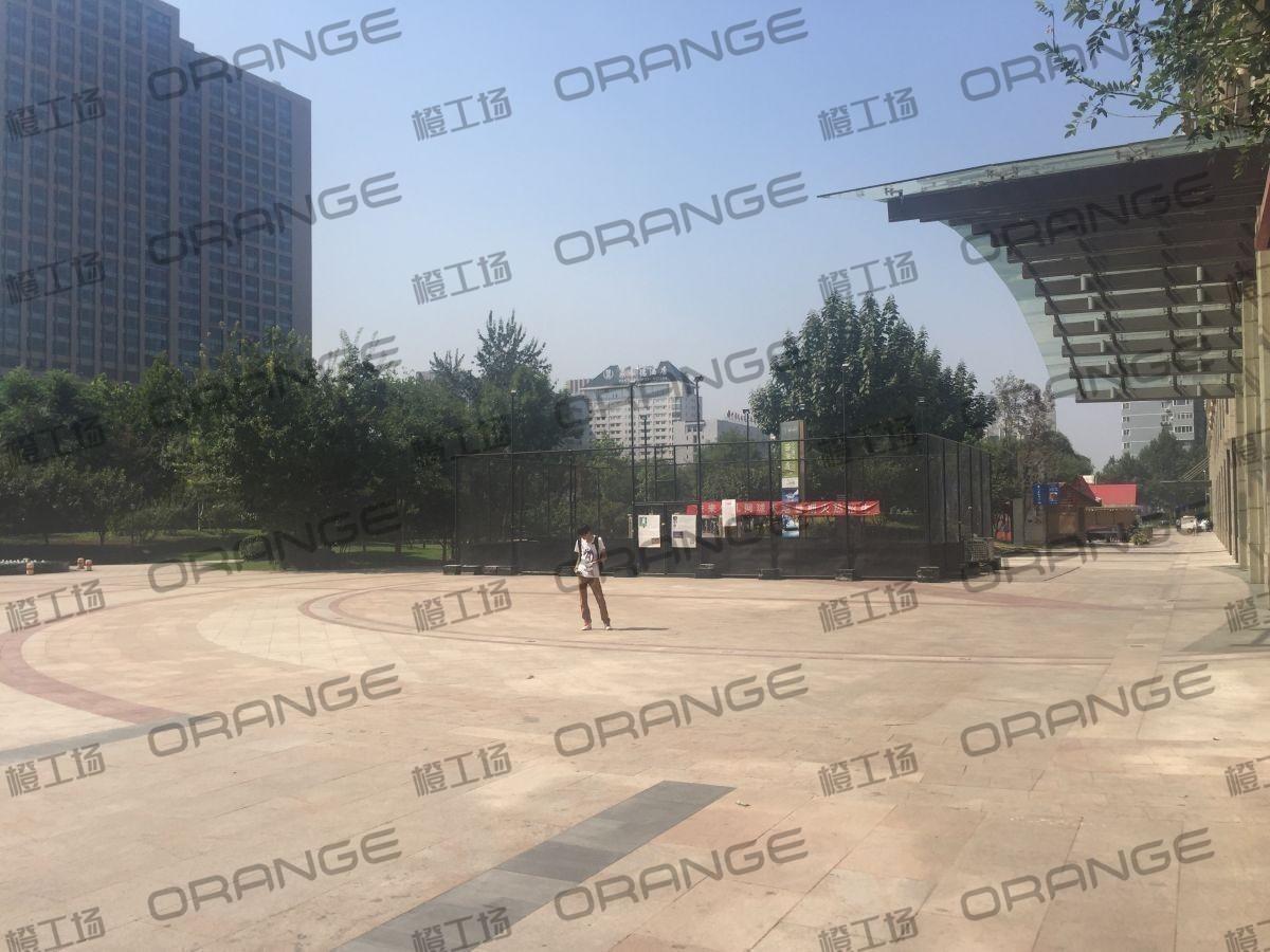 北京远洋未来广场-东侧南门门前4