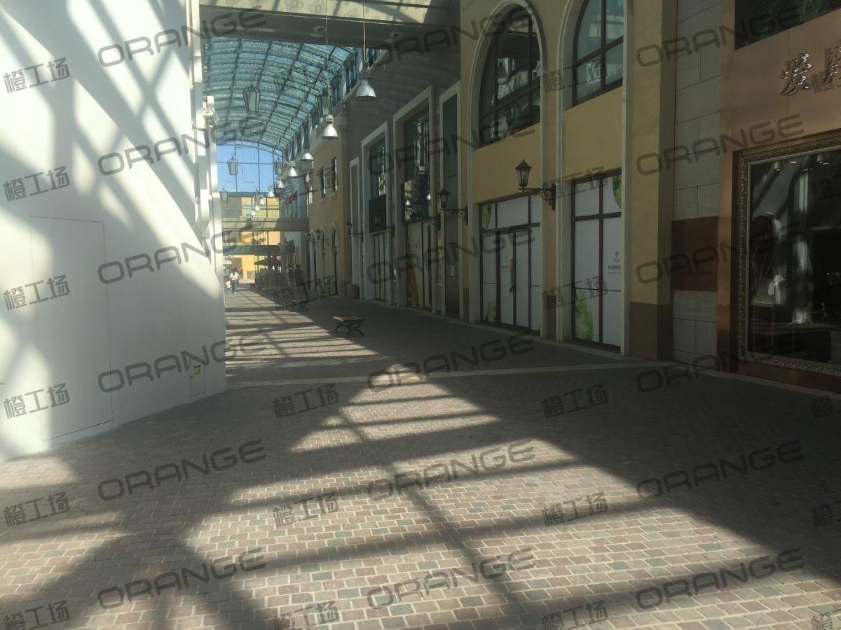 蓝色港湾-室外南侧massiom dutti门前走廊19