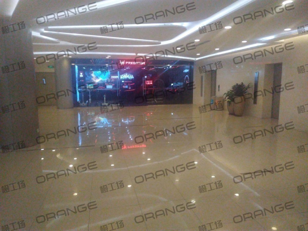 北京蓝色港湾-室内西侧直梯门前45