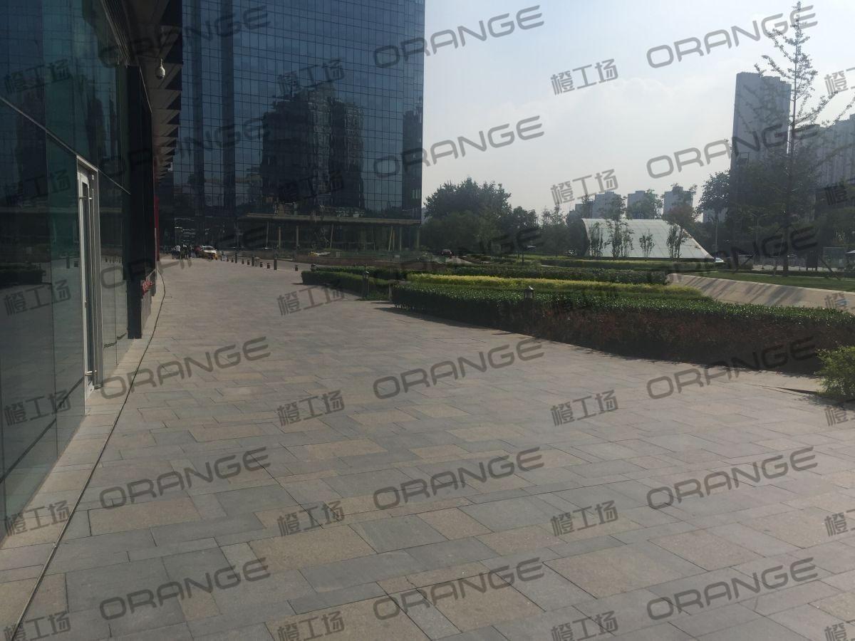 北京颐堤港-室外西门走廊北superdry门前4