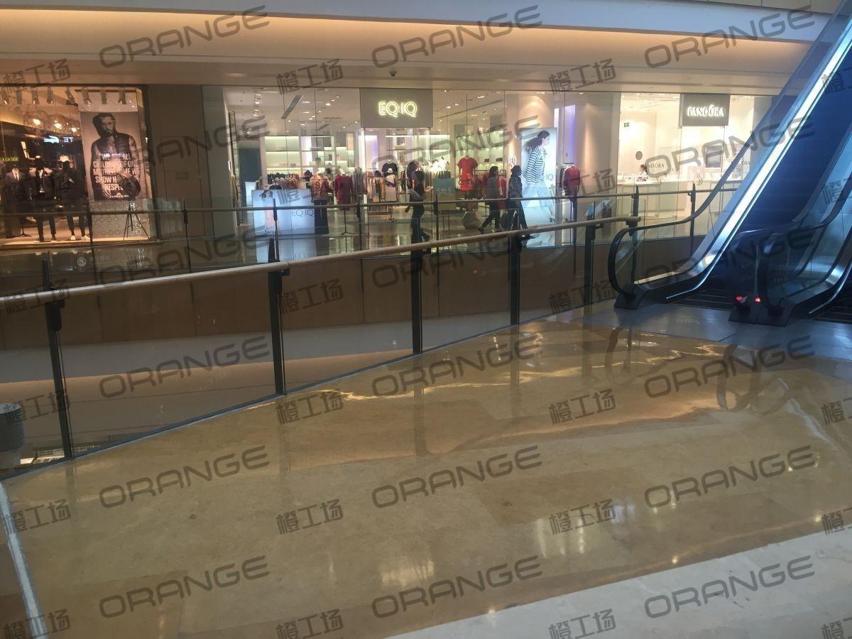 北京颐堤港-室内一楼南侧UGG门前上电梯口13