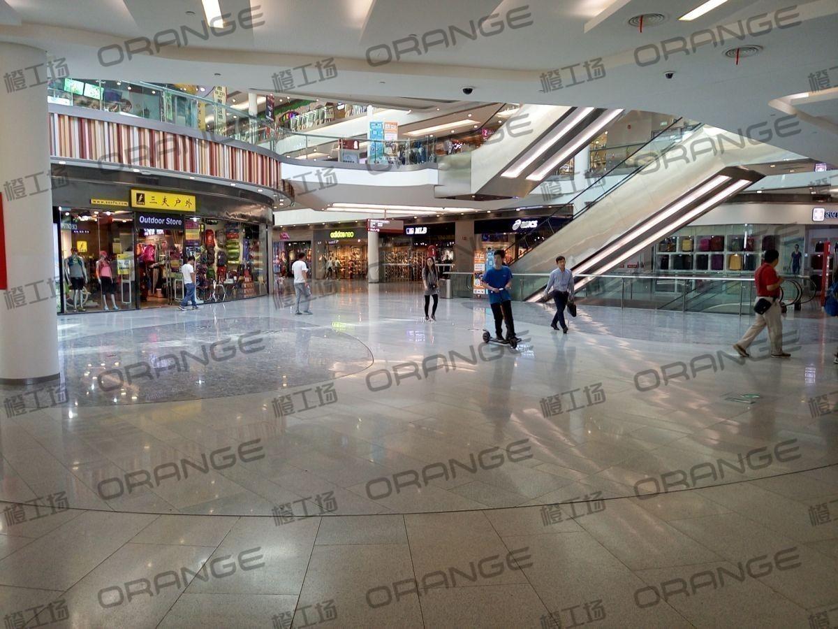 北京荟聚购物中心-室内一楼西南门门内6
