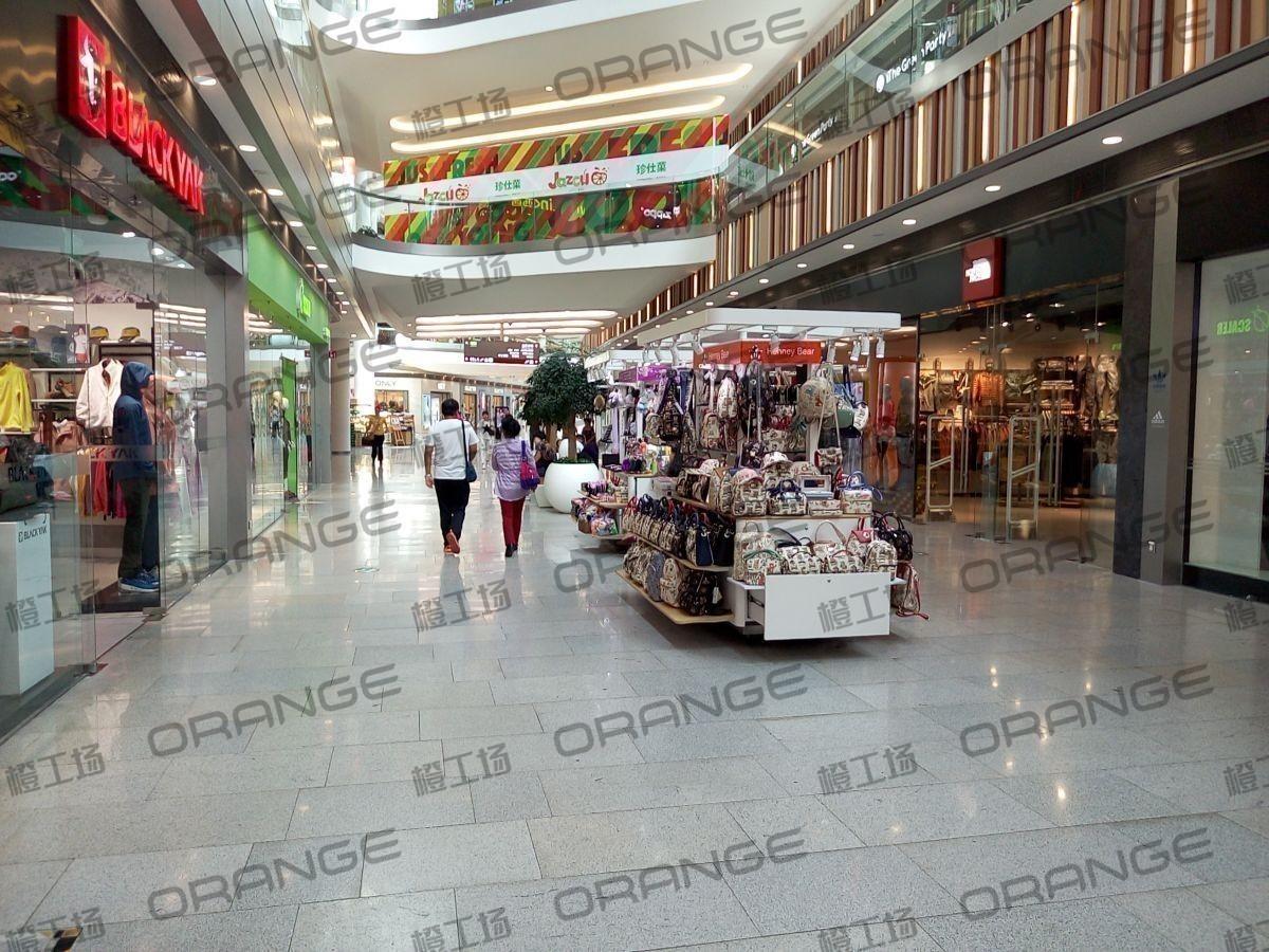 北京荟聚购物中心-室内一楼西南门西过道28