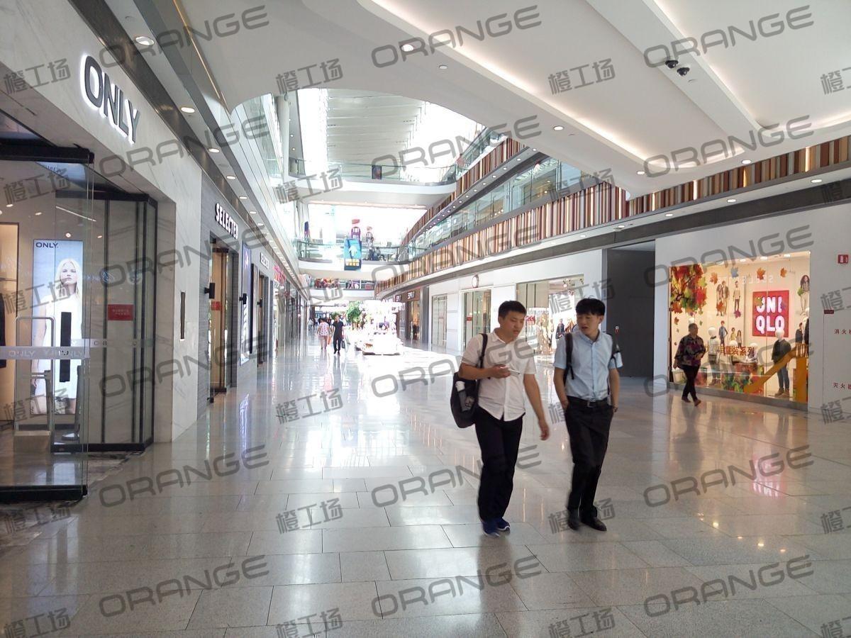 北京荟聚购物中心-室内一楼西侧扶梯北(三块)10