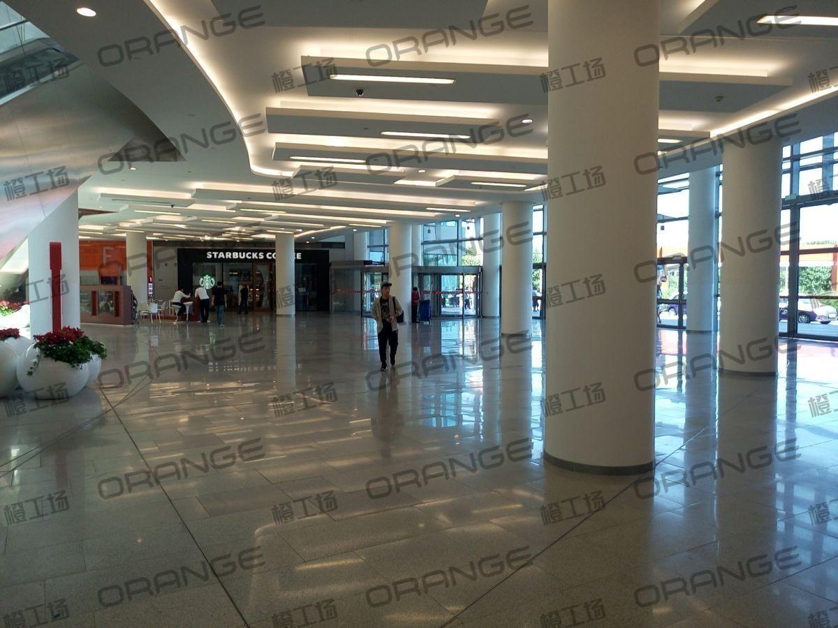北京荟聚购物中心-室内一楼东门门内117