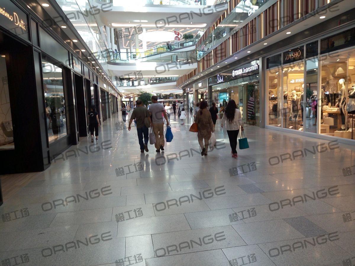 荟聚购物中心-室内一楼东北门门内西过道(两块)21