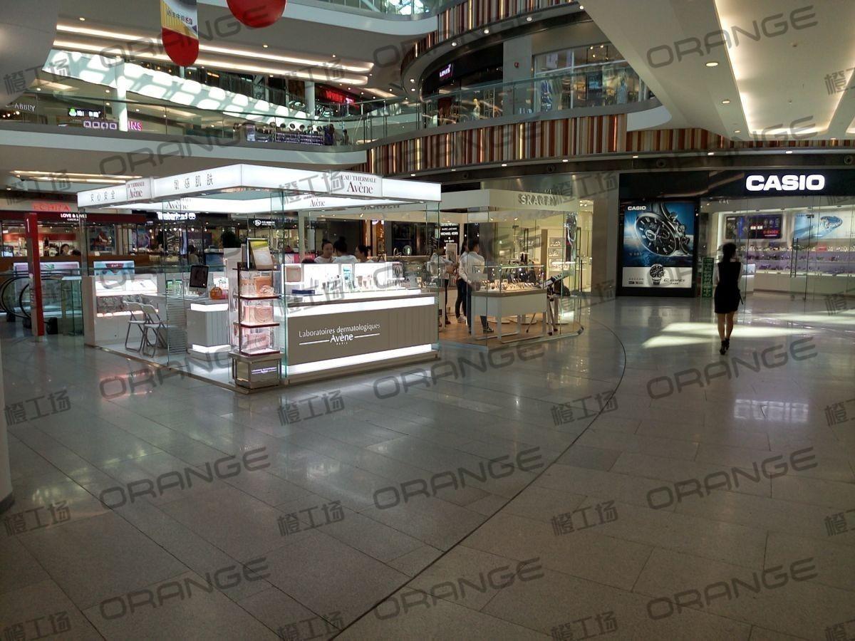 北京荟聚购物中心-室内一楼东北门门内2(两块中间有滚梯)23