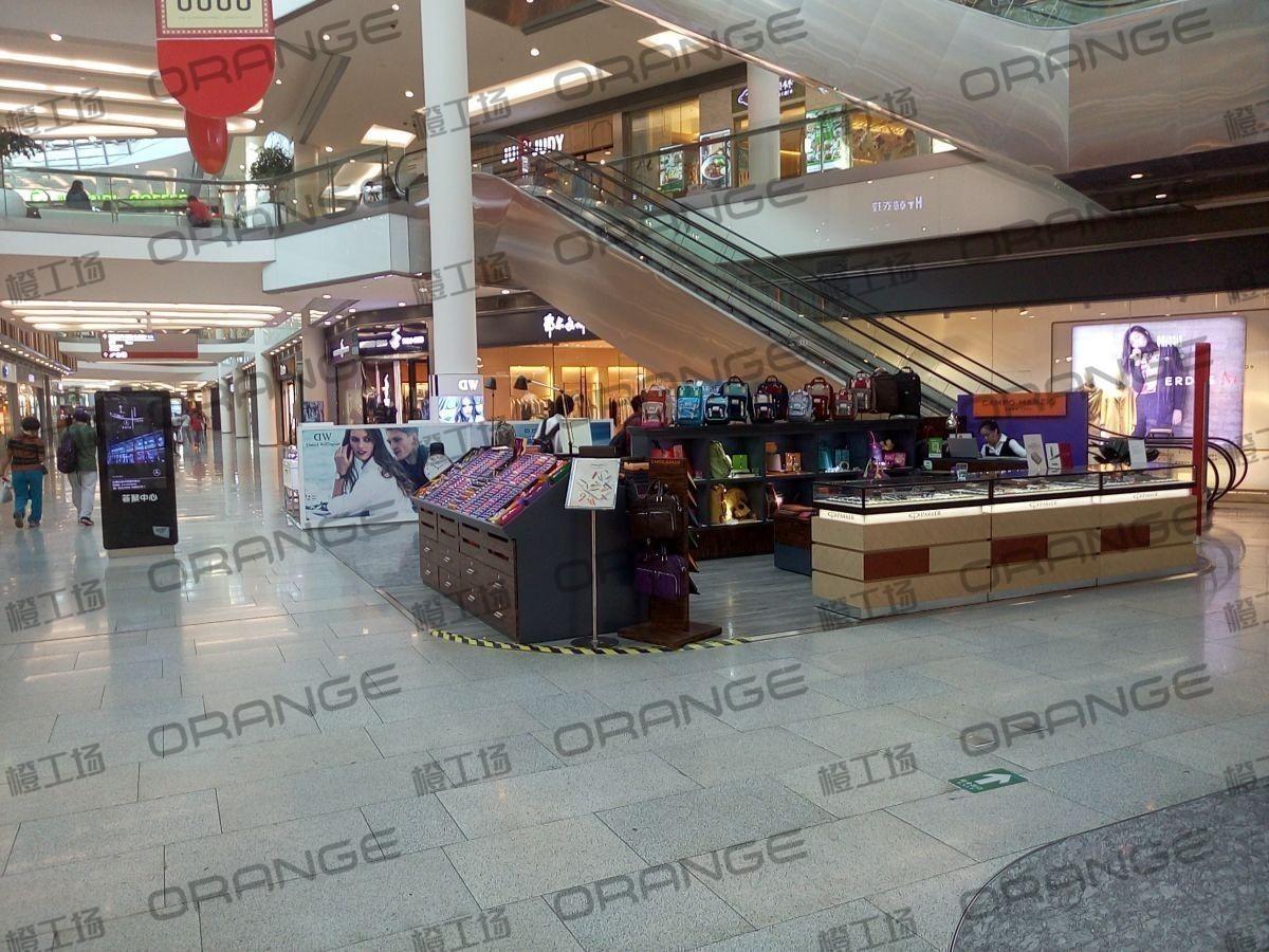 北京荟聚购物中心-室内一楼东北门内南过道226