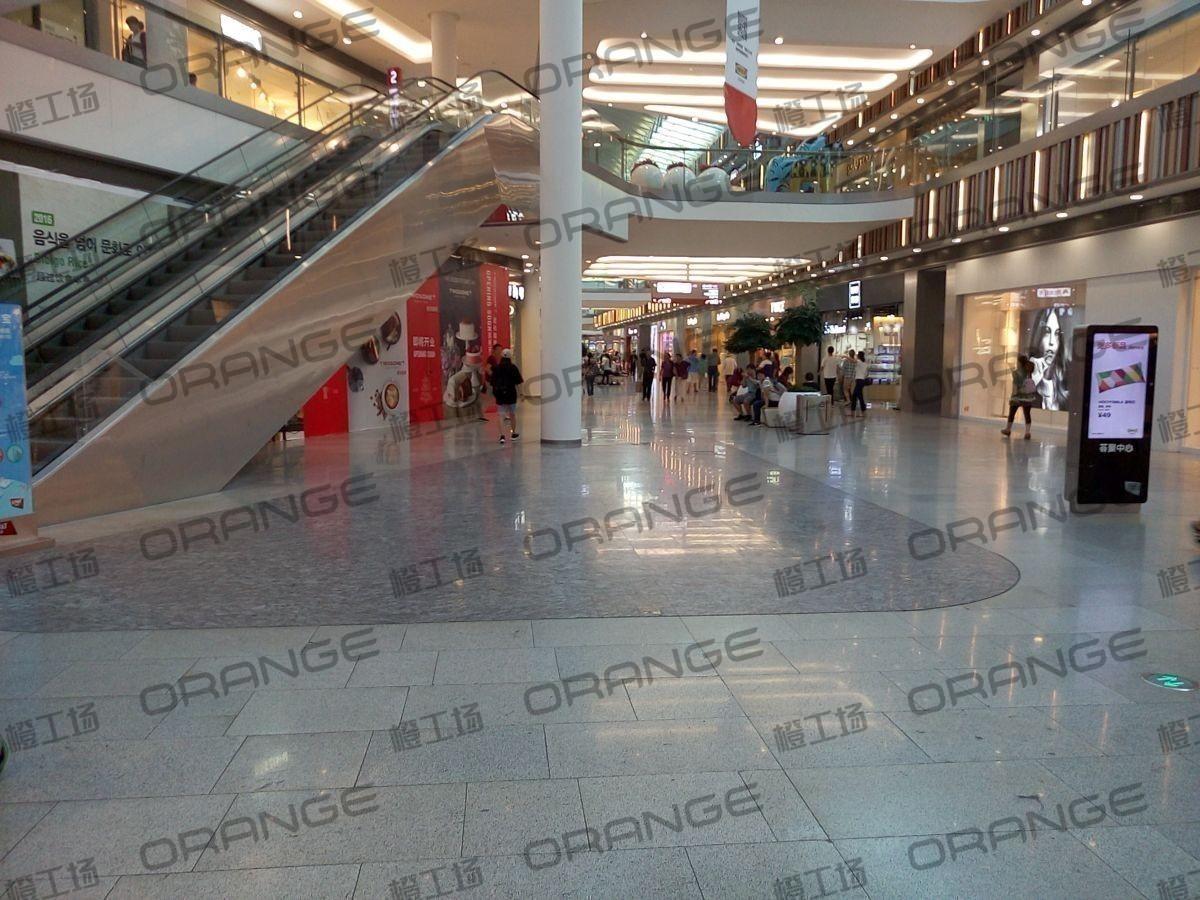 北京荟聚购物中心-室内一楼东门内大厅南229