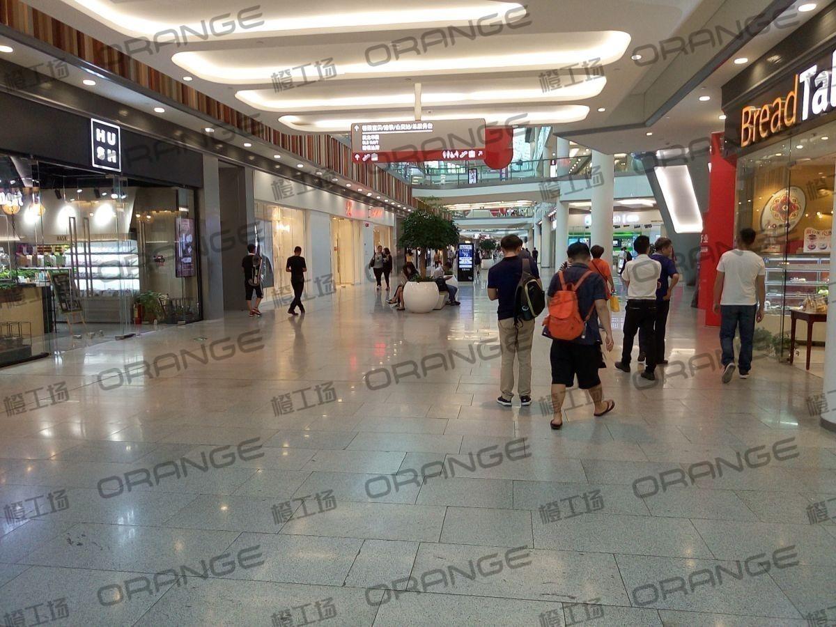 荟聚购物中心-室内一楼东门内大厅南3(三块)30
