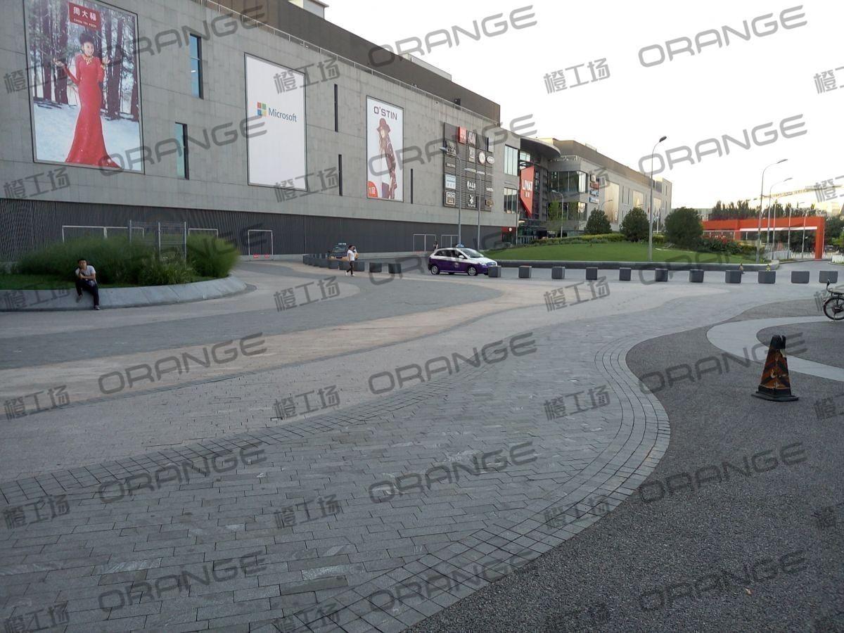 北京荟聚购物中心-室外东南门广场31