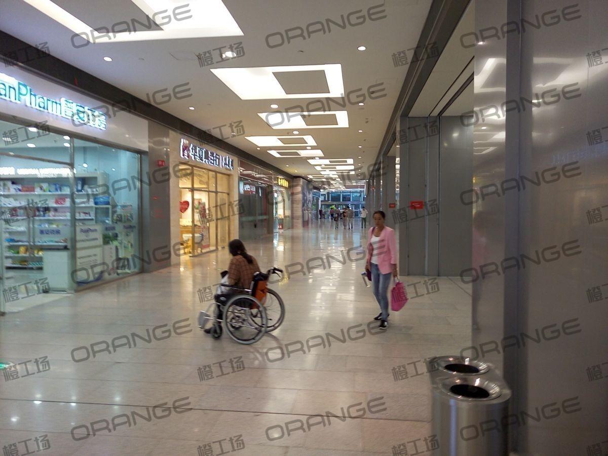 北京荟聚购物中心-室内一二楼东南侧欧尚超市东过道(两块)33