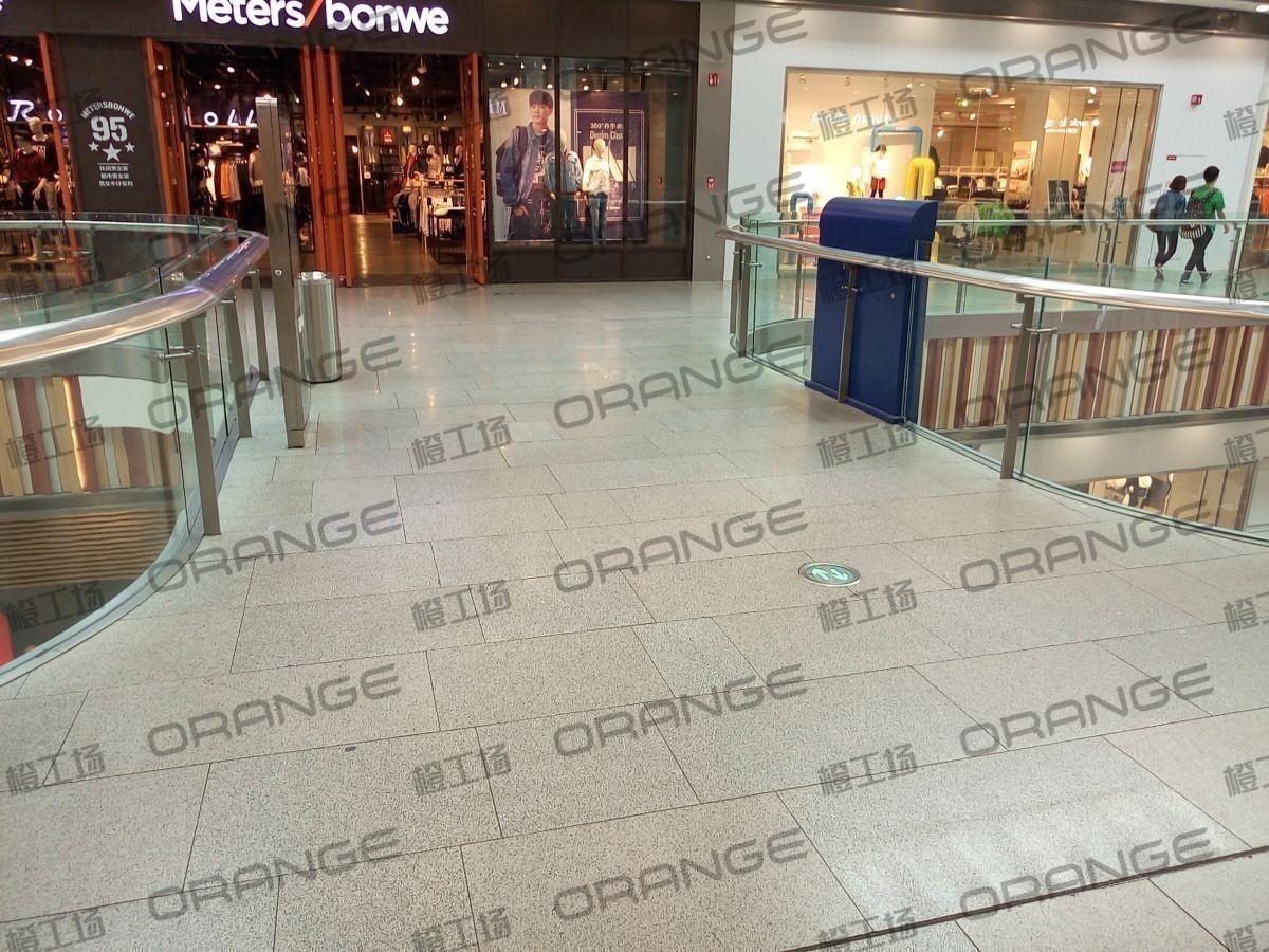 北京荟聚购物中心-室内北侧电梯南二三楼过道(六块)37