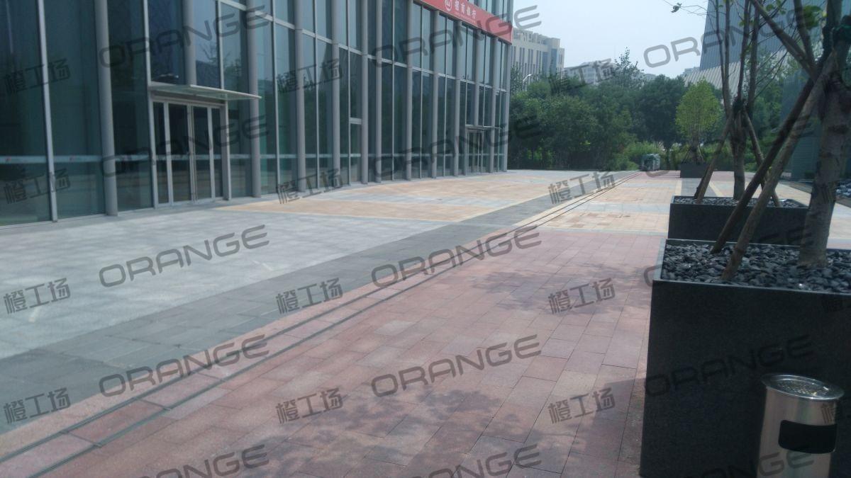 北京财富购物中心-东门门前FFC大厦南1