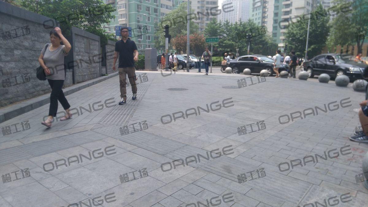 北京财富购物中心-室外西北角三角区域10