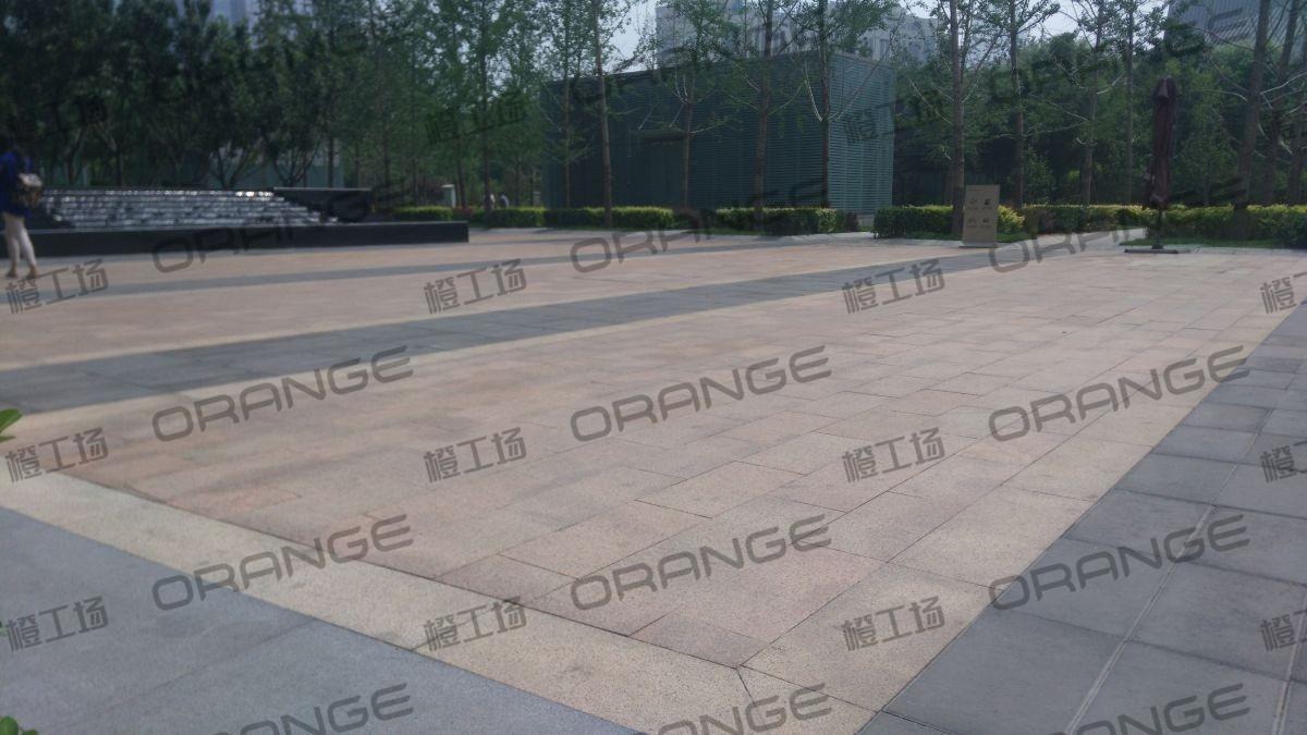 北京财富购物中心-室外东门最南侧地铁金台夕照A口门前北侧16