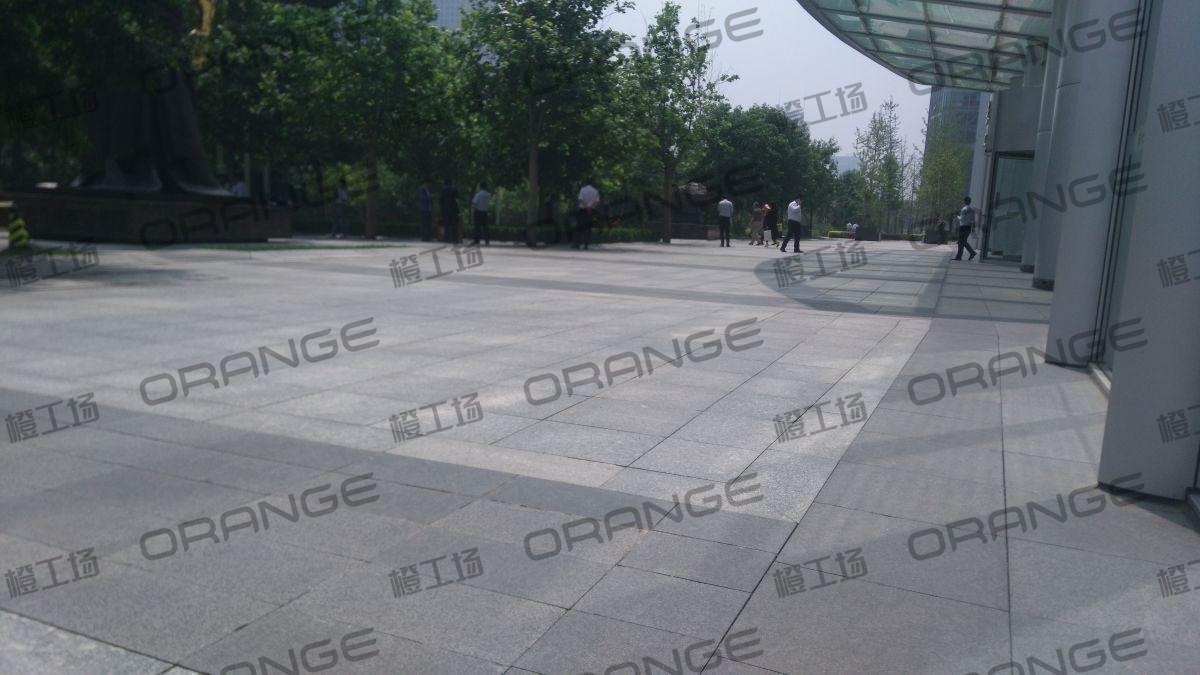 北京财富购物中心-室外东门门前FFC大厦东门18