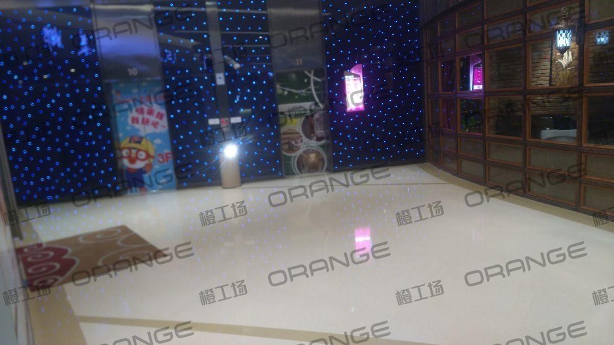 北京爱琴海购物公园-室内二楼西③门直梯前13