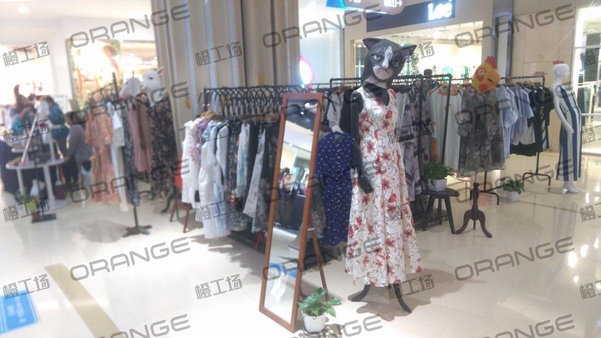 北京爱琴海购物公园-室内北门门内下扶梯口16