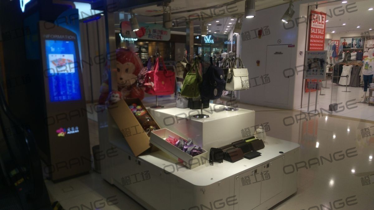 北京爱琴海购物公园-室内东门内下扶梯口东侧21