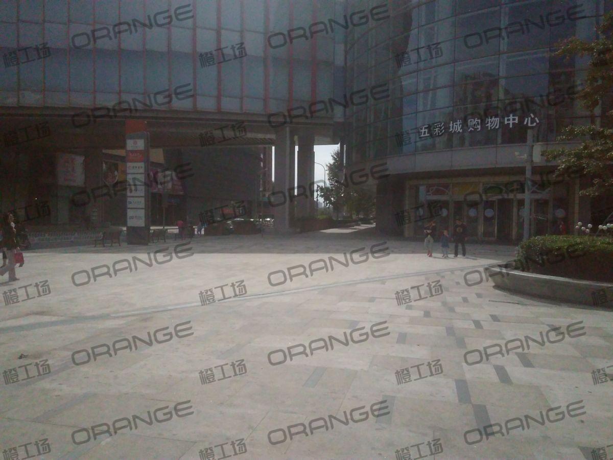 北京五彩城购物中心-室外西区东北门门北1