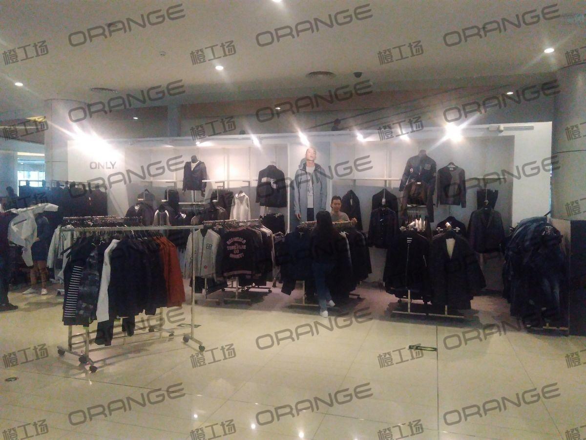 北京五彩城购物中心-室内一楼西区南侧扶梯北8