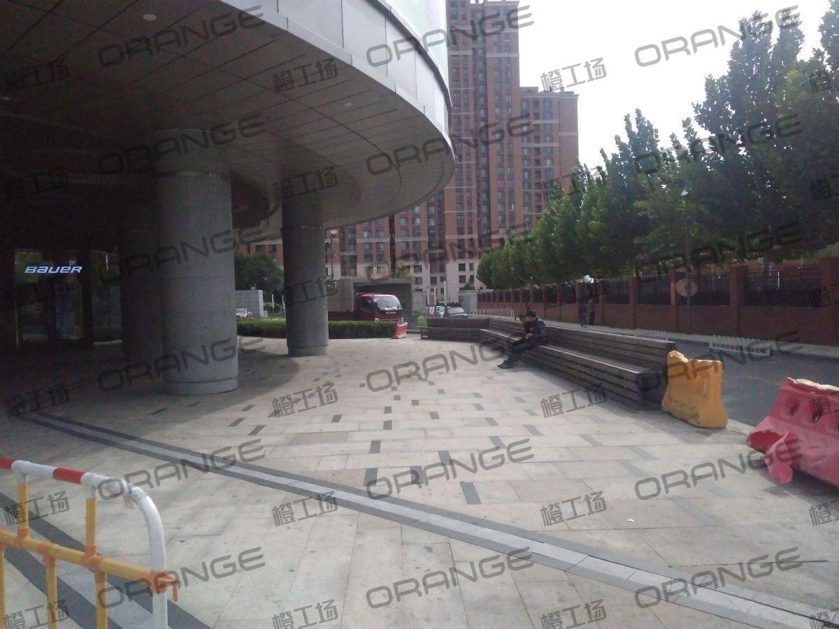 北京五彩城购物中心-室外西区西侧西门门西11