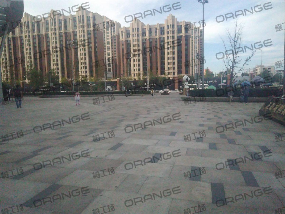 北京五彩城购物中心-室外东区东北门东侧过道19