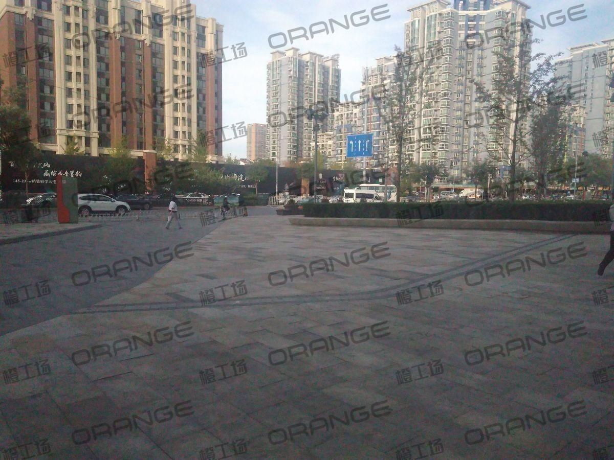 北京五彩城购物中心-室外东区东北门北侧过道116
