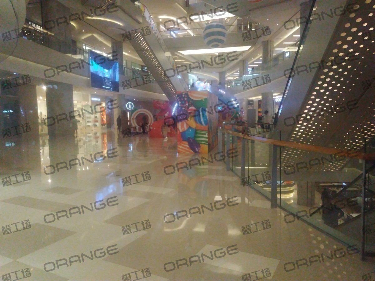 北京五彩城购物中心-室内东区一楼中厅扶梯南过道24