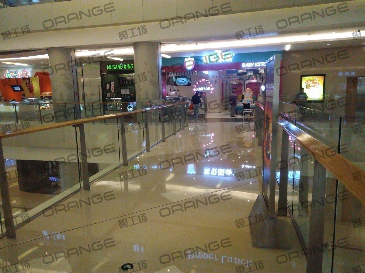 北京五彩城购物中心-室内东区四楼东侧过道32