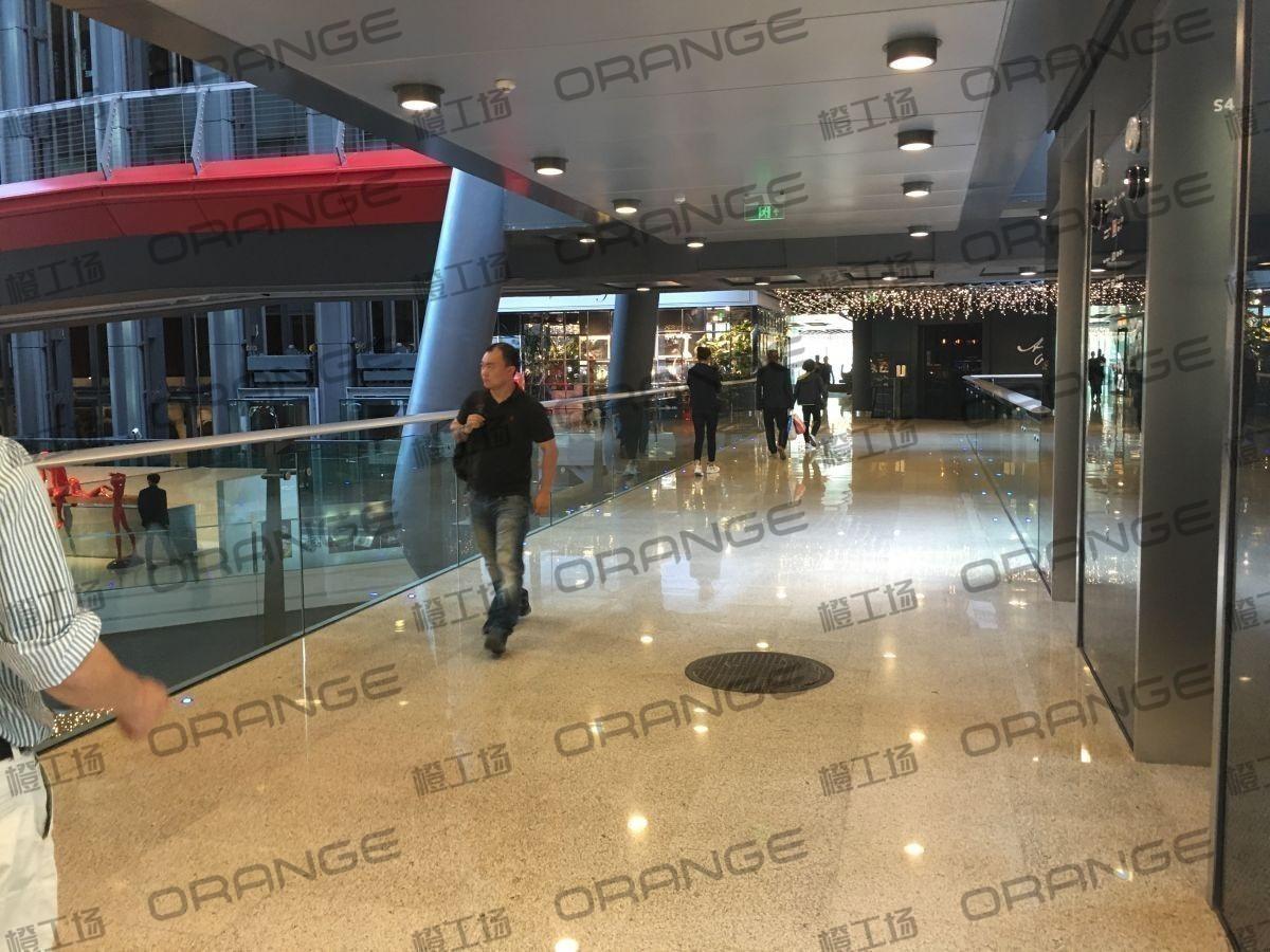 北京侨福芳草地购物中心-室内一楼中庭南侧直梯西侧走廊16