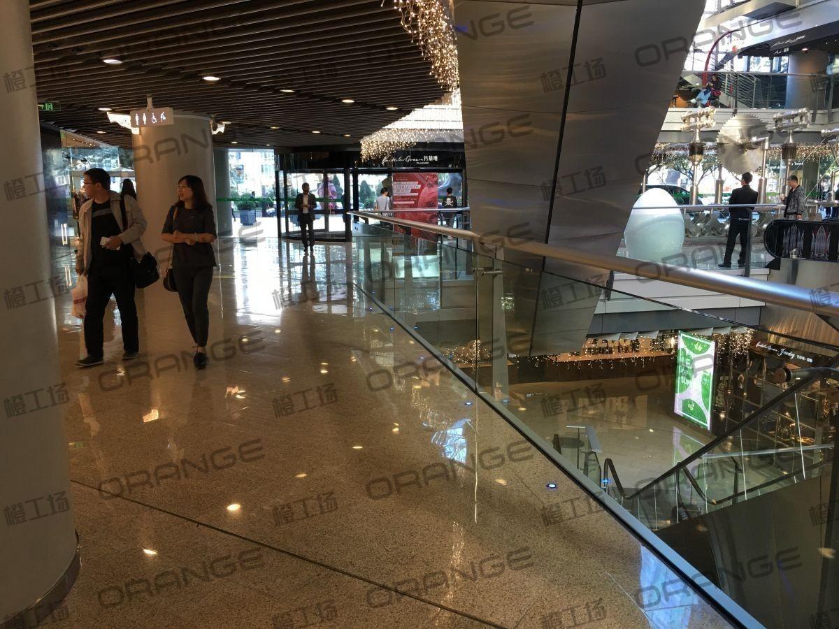 北京侨福芳草地购物中心-室内一楼东门扶梯北一21