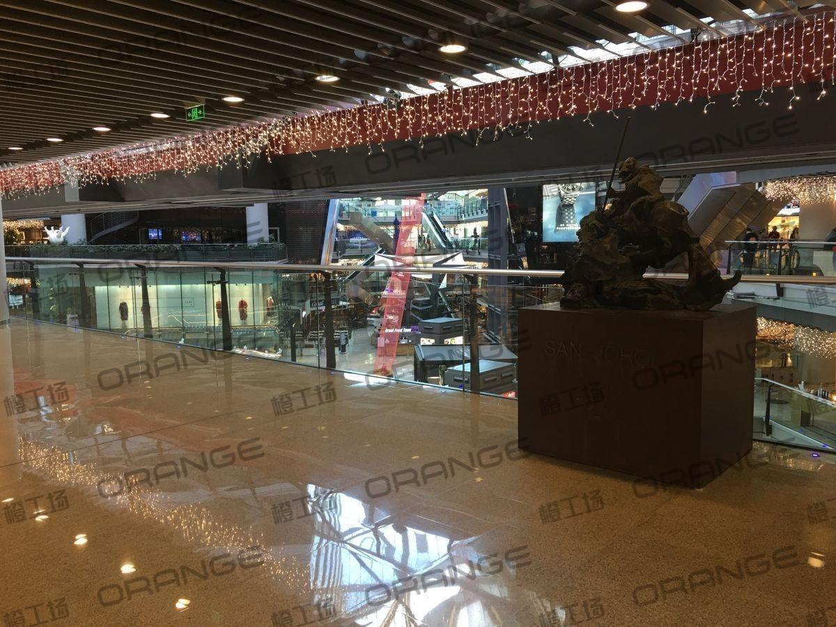 北京侨福芳草地购物中心-室内一楼北侧扶梯北24
