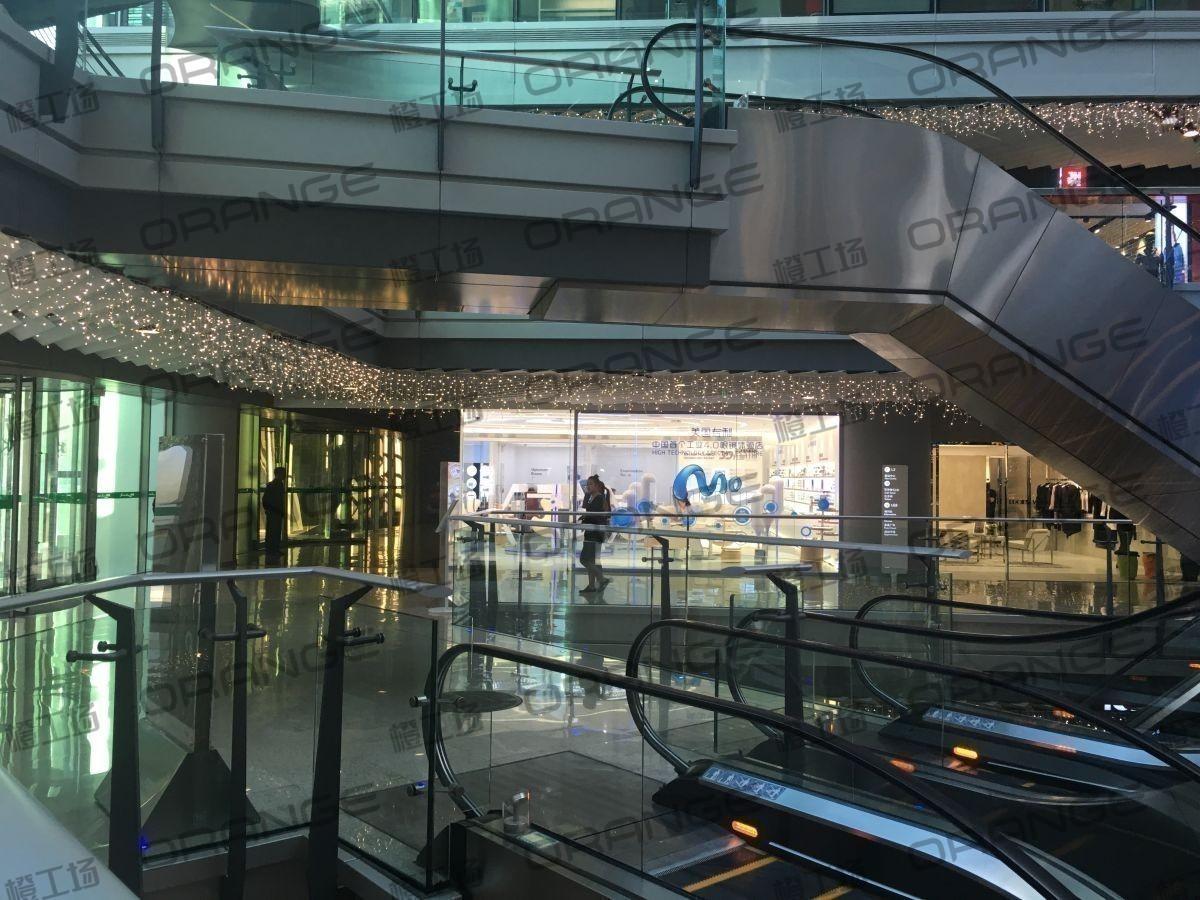 北京侨福芳草地购物中心-室内一楼南门门内29