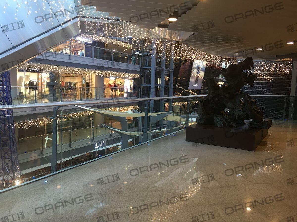 北京侨福芳草地购物中心-室内一楼南门扶梯东30