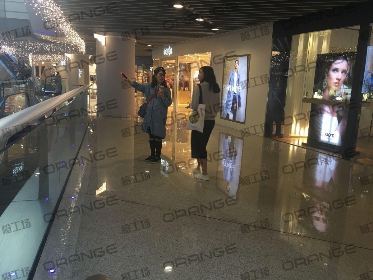 北京侨福芳草地购物中心-室内B1中庭南侧直梯东扶梯旁32