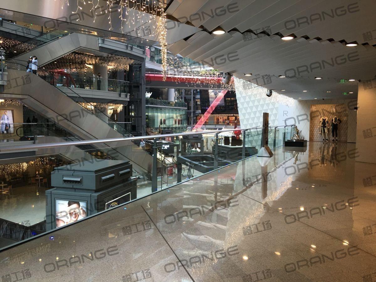 北京侨福芳草地购物中心-室内B1东侧扶梯北34