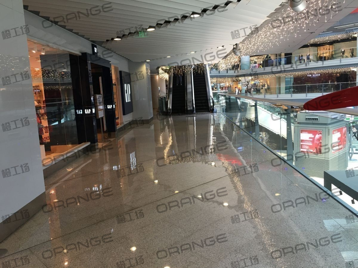 北京侨福芳草地购物中心-室内一楼西侧直梯北二39
