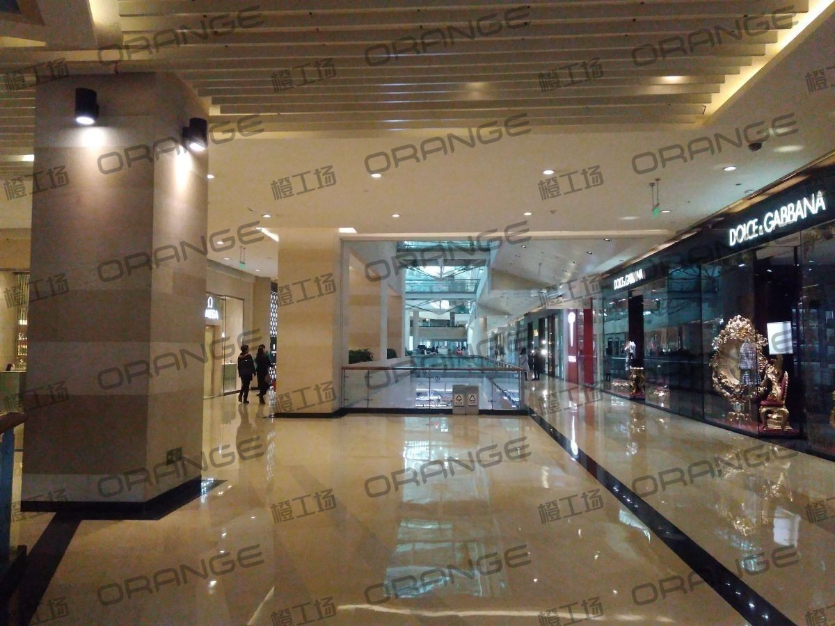 金融街购物中心-室内一楼东区东侧扶梯西北过道1