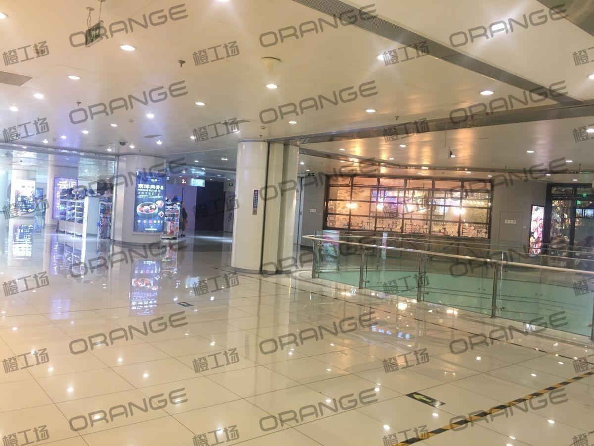 北京富力广场-室内三楼南侧小环廊东爱慕门前  10