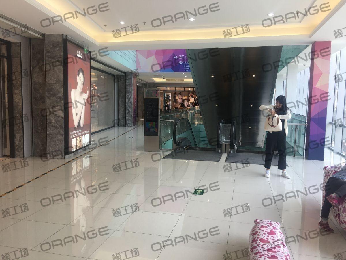 北京富力广场-室内二楼最北侧扶梯口北 16