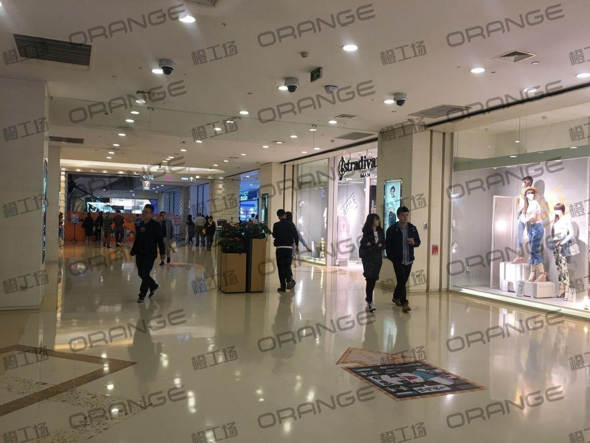 北京悠唐购物中心-室内一楼北侧东门门内二2
