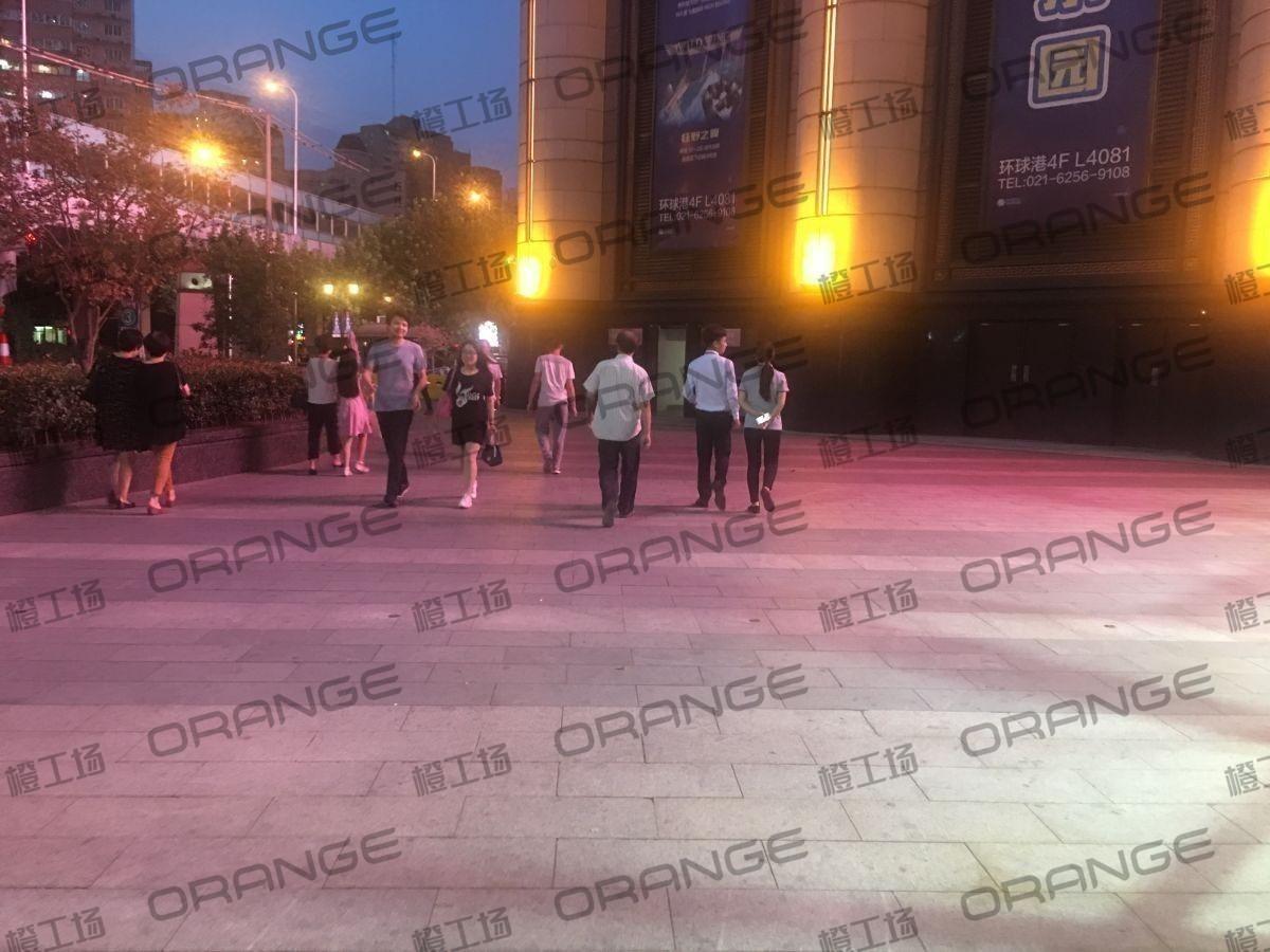 上海环球港-室外北侧喷泉广场北巨石达阵北2