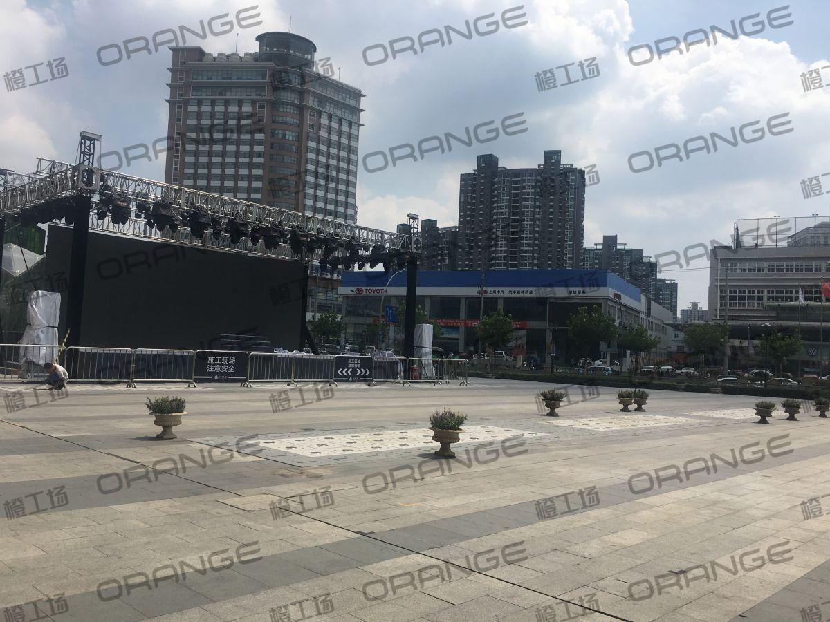 上海环球港-室外南侧广场环廊东2