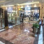 上海环球港-室内一楼画廊西大街080前扶梯北24