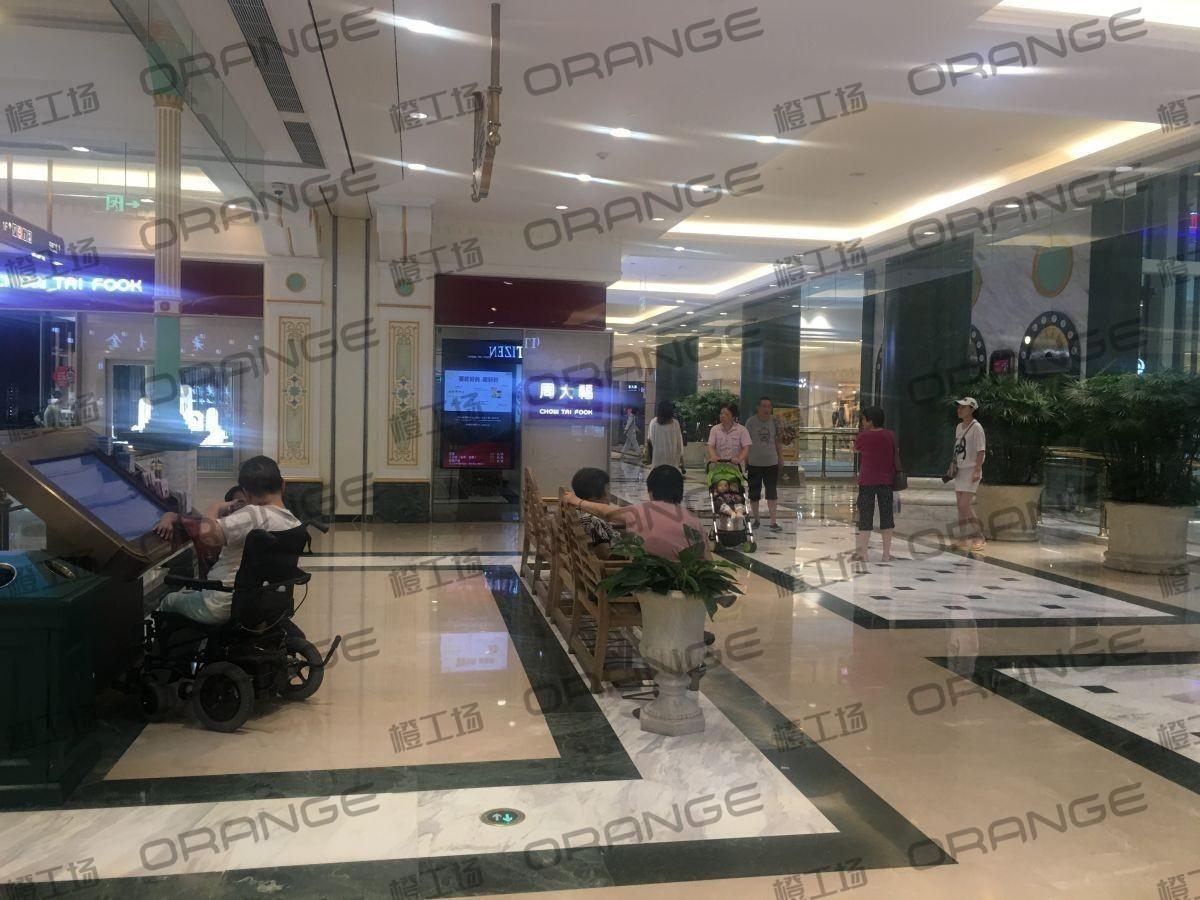上海环球港-室内一楼花园东大道北侧环廊北3