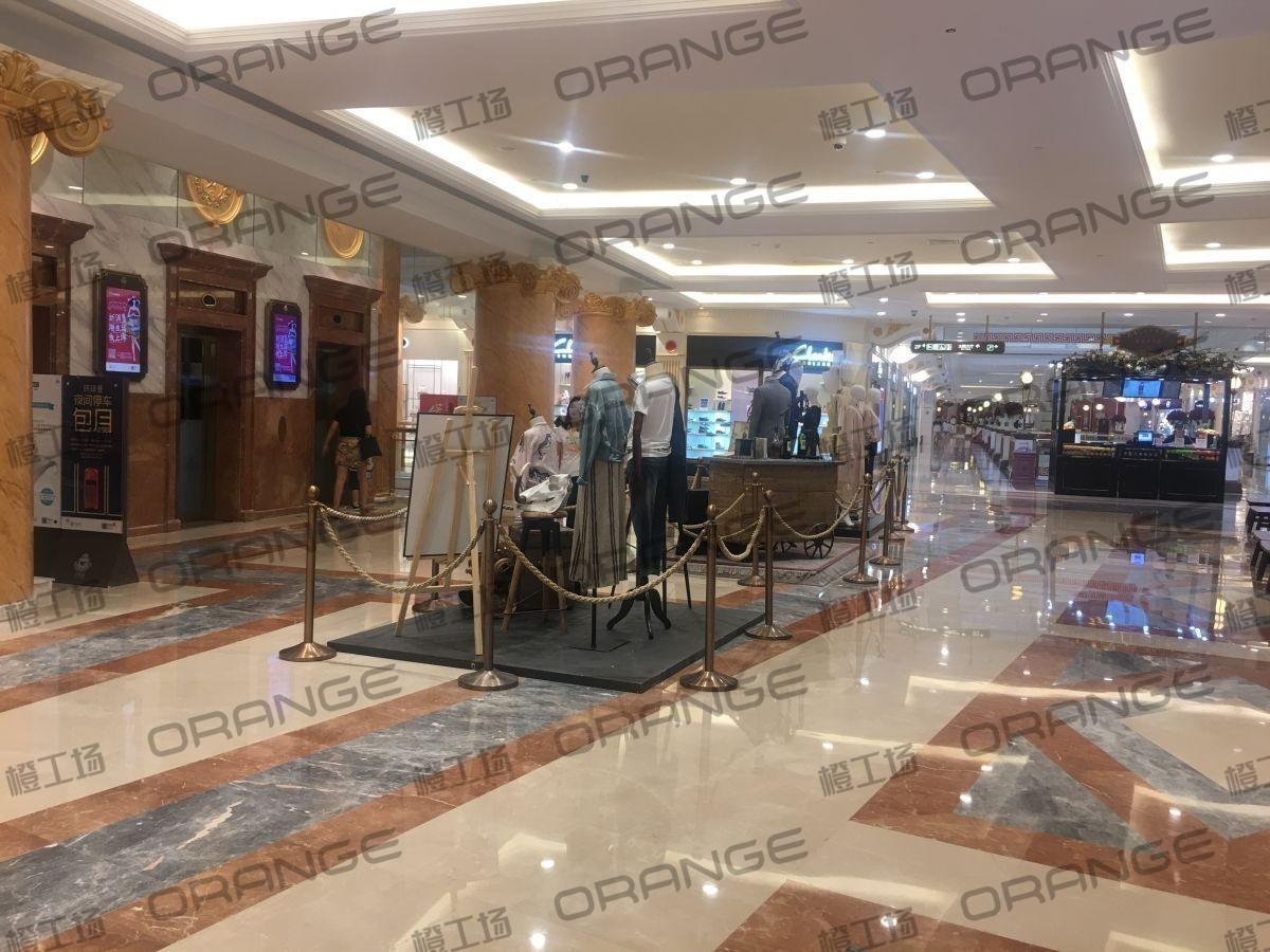 上海环球港-室内二楼中央环廊西侧1