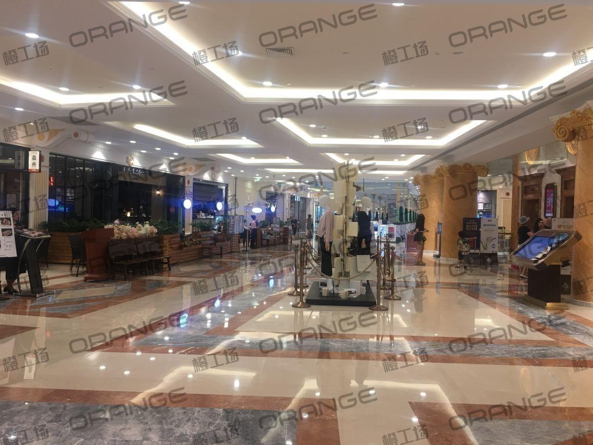 上海环球港-室内二楼中央环廊西侧2