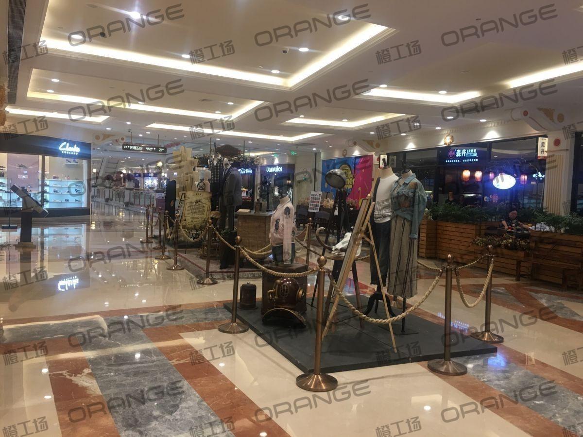 上海环球港-室内二楼中央环廊西侧3